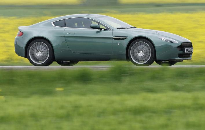 Фото Aston Martin Vantage V8 купе, модельный ряд 2008г