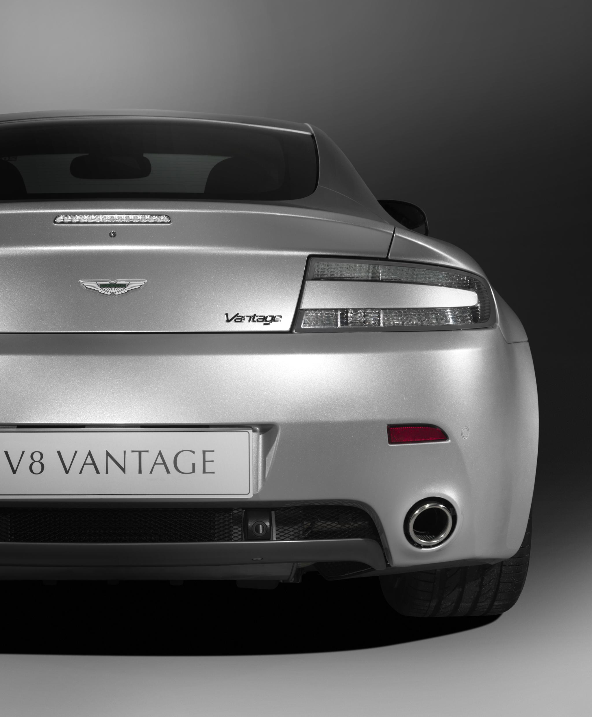 Фото Aston Martin Vantage V8 2008-2020 купе