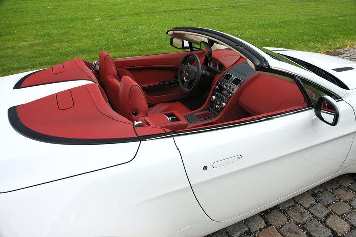 Фото Aston Martin Vantage V8 родстер, модельный ряд 2008г