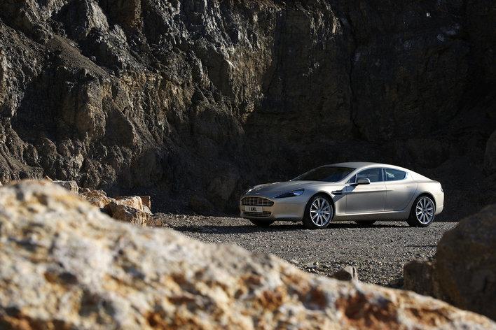 Фото Aston Martin Rapide 5-дверный хэтчбек, модельный ряд 2009г