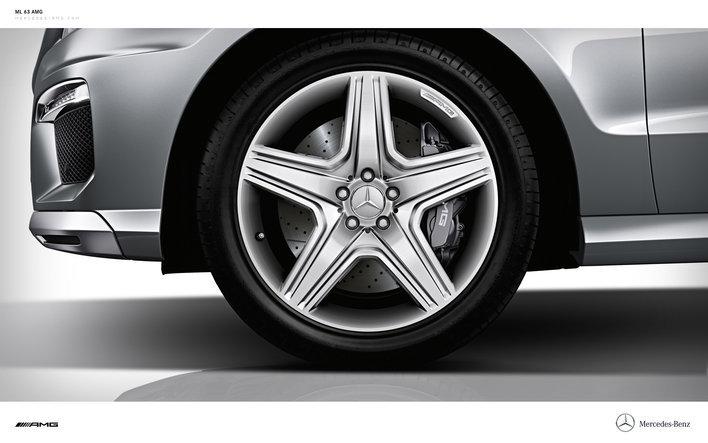 Фото Mercedes-Benz ML AMG 5-дверный кроссовер, модельный ряд 2011г