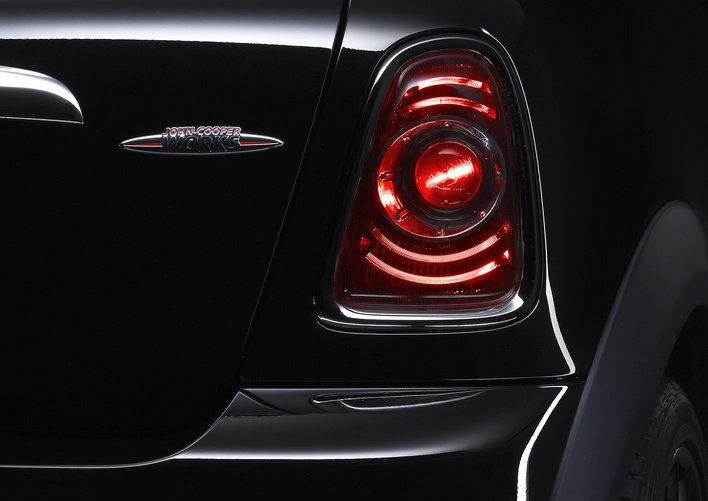 Фото MINI John Cooper Works 3-дверный хэтчбек, модельный ряд 2010г