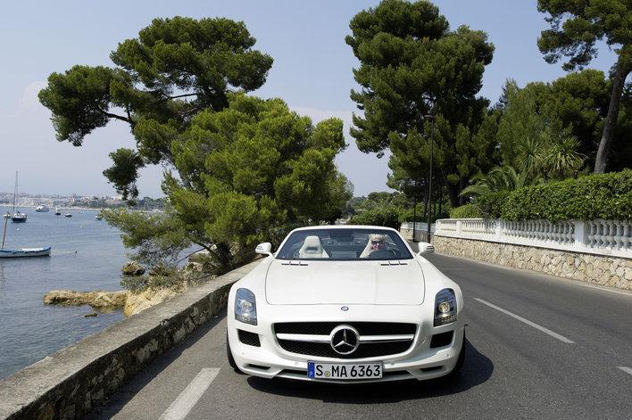 Фото Mercedes-Benz SLS AMG Roadster родстер, модельный ряд 2011г