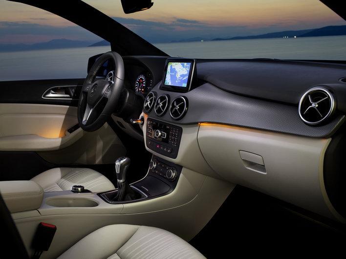 Фото Mercedes-Benz B-Class минивэн, модельный ряд 2013г