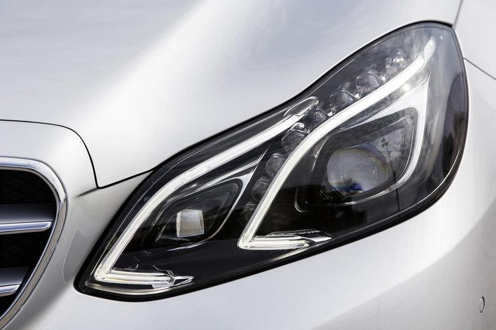 Фото Mercedes-Benz E-Class седан, модельный ряд 2013г