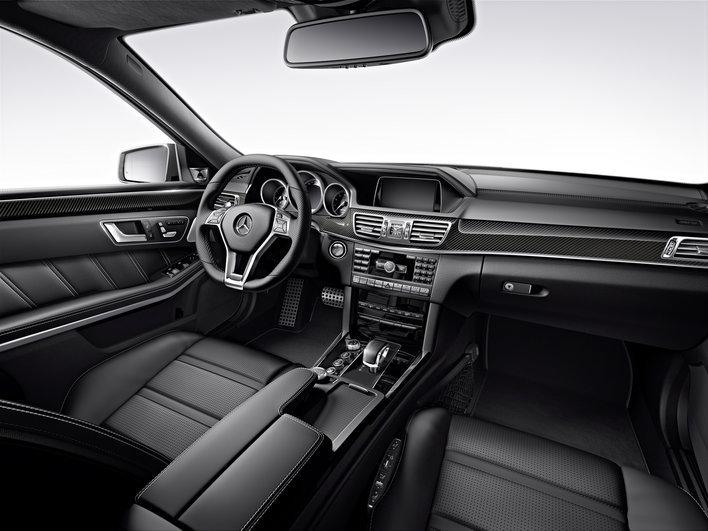 Фото Mercedes-Benz E-Class AMG седан, модельный ряд 2013г