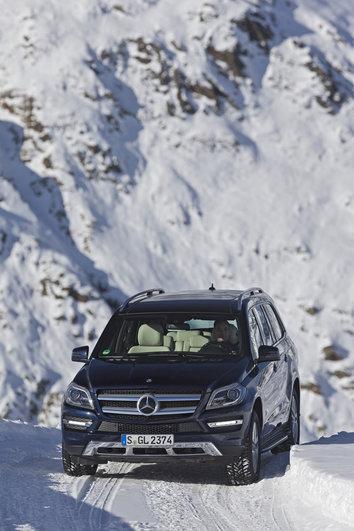 Фото Mercedes-Benz GL 5-дверный внедорожник, модельный ряд 2012г