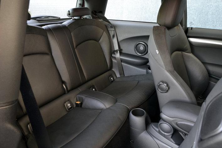 Фото MINI Cooper 3-дверный хэтчбек, модельный ряд 2014г