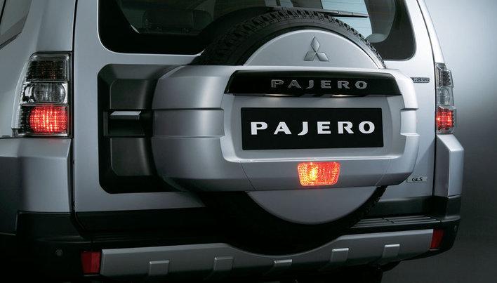 Фото Mitsubishi Pajero 5-дверный внедорожник, модельный ряд 2014г