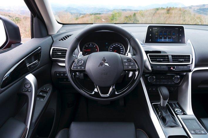 Фото Mitsubishi Eclipse Cross 5-дверный кроссовер, модельный ряд 2018г