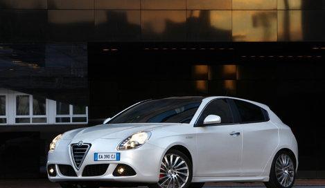 Фото Alfa Romeo Giulietta 5-дверный хэтчбек, модельный ряд 2010г