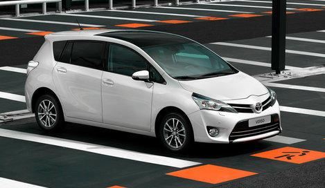 Фото Toyota Verso минивэн, модельный ряд 2012г