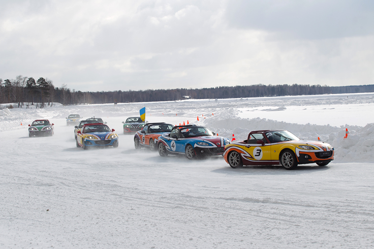 Фото Mazda MX-5 Ice Race 2014 паровозик Шмелёва