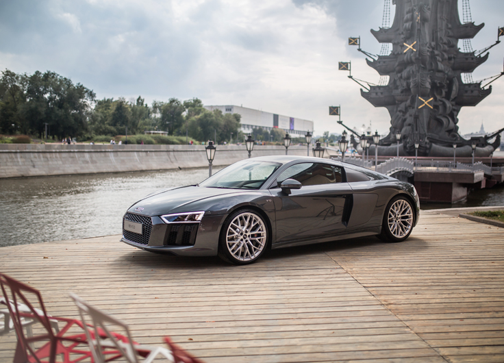 Российская премьера нового Audi R8 V10 2015-2016