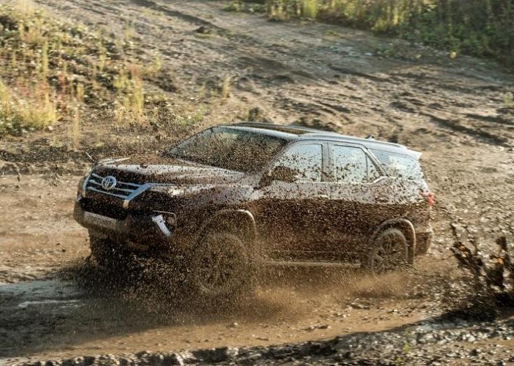 Видео и старт продаж нового Тойота Фортунер 2017-2018