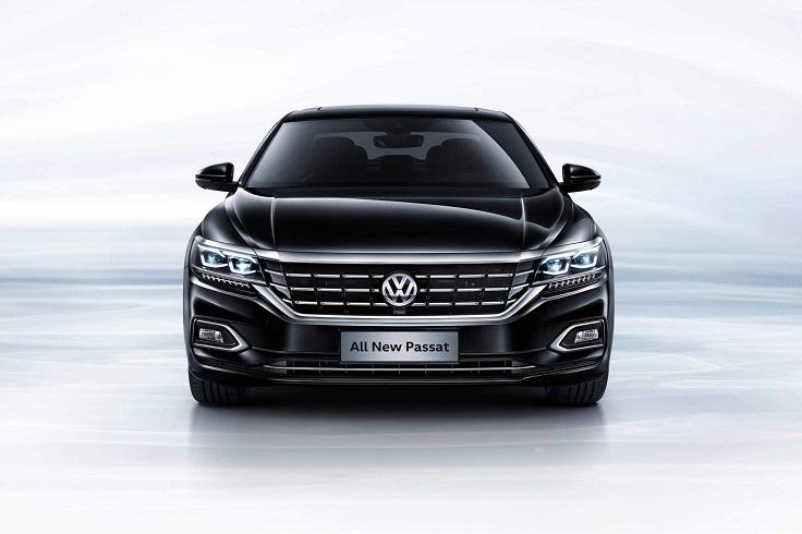 Что за зверь? Новый VW Passat получил салон Туарега