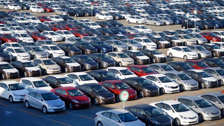 Продажи машин в Европе падают, в России растут. Почему так происходит?